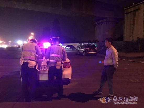 酒驾司机取保候审竟逃至外省藏匿 交警千里追击将其缉拿归案
