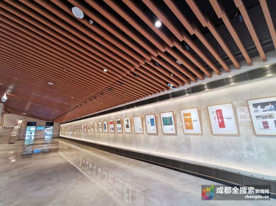 四川大剧院开幕 市民可参观内部空间