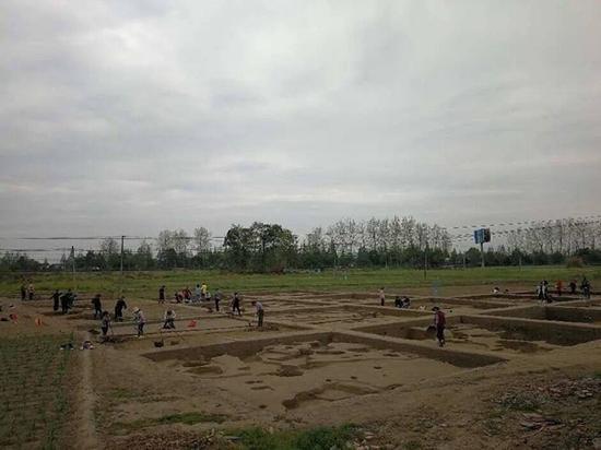 天府大道北延线考古工作复工 石桥林遗址、白庙子墓地将发掘