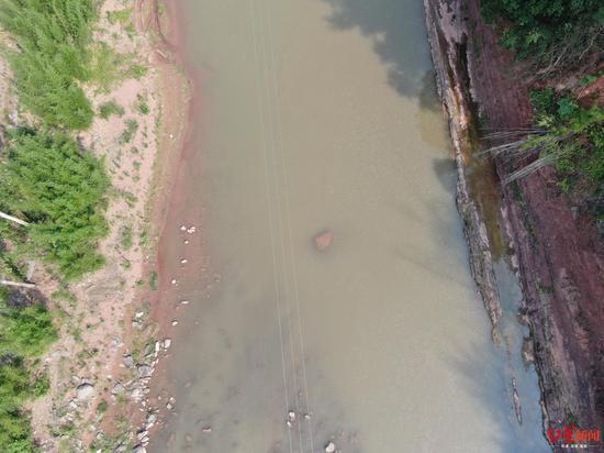 宜宾屏山县两14岁少年下河溺水身亡 警示牌就在不远处