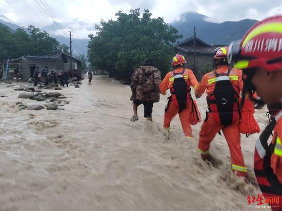 """冕宁县""""6·26""""特大暴雨已致19人遇难、3人失联"""