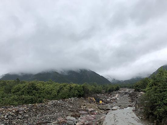 暴雨后的曹古河,河道已被冲毁。本文图片均由 澎湃新闻记者 王鑫 图