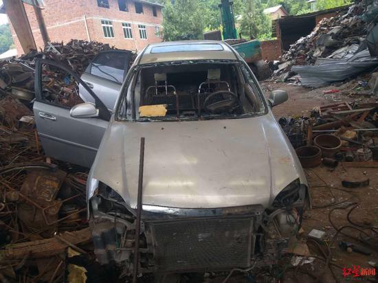 王先生小车被拆