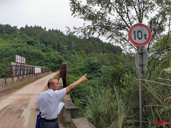 ↑还建的高架桥承重10吨