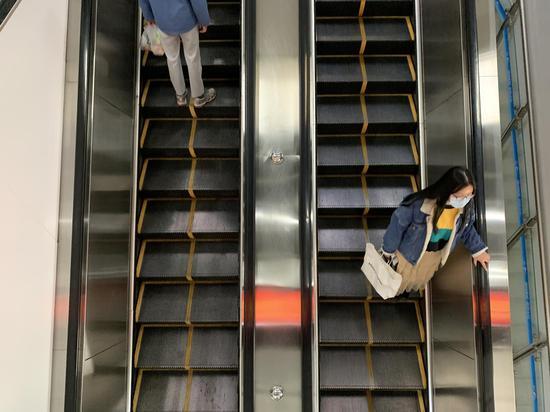 成都地铁站内