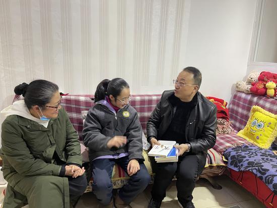 察民情解民忧 助改革促发展——四川代表委员履职成效点击