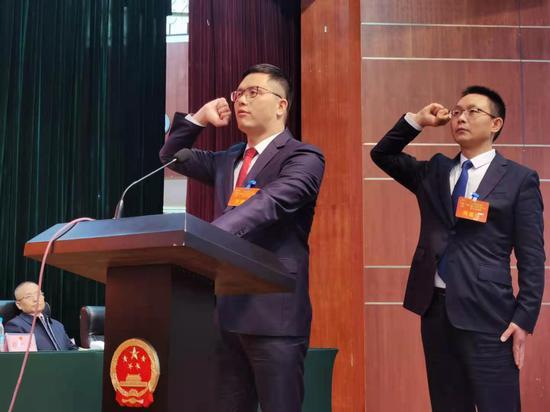 郭祖炎当选广元市利州区区长