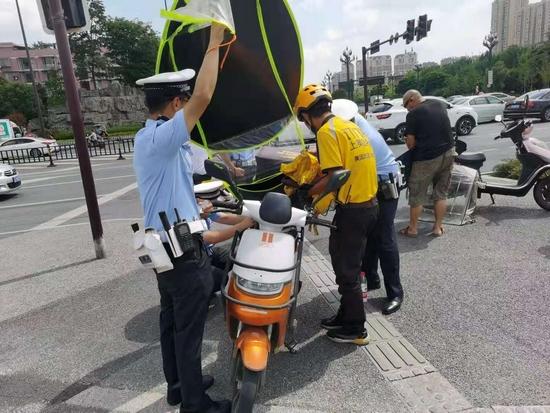 從即日起 成都開展電動自行車突出交通違法行為集中整治行動