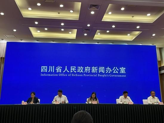 9月28日 九寨沟景区全域恢复开放