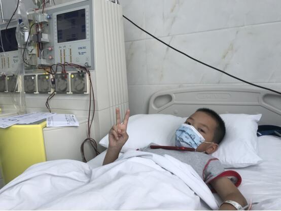 感人!四川8岁男童捐献造血干细胞救白血病父亲