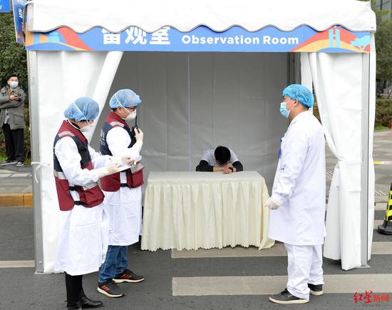 记者探班成马筹备现场:沿用去年经典赛道 开展全要素演练