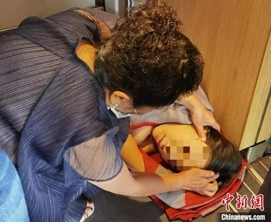 中医药博导紧急施救。 四川省中医药管理局 供图