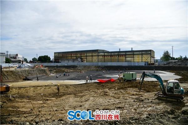 国庆抢工期 成都国际空港商务区展示中心项目加快建设