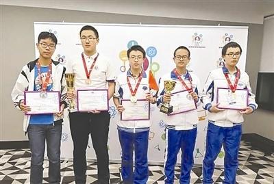 成都代表队的5名参赛选手