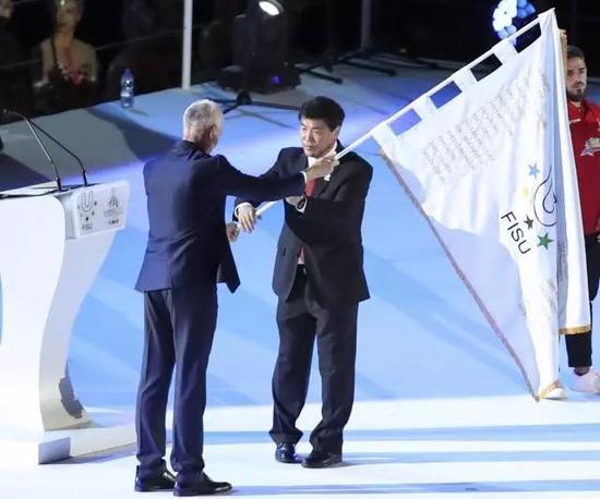 """接过世界大运会的会旗 成都更无愧""""第四城""""了"""
