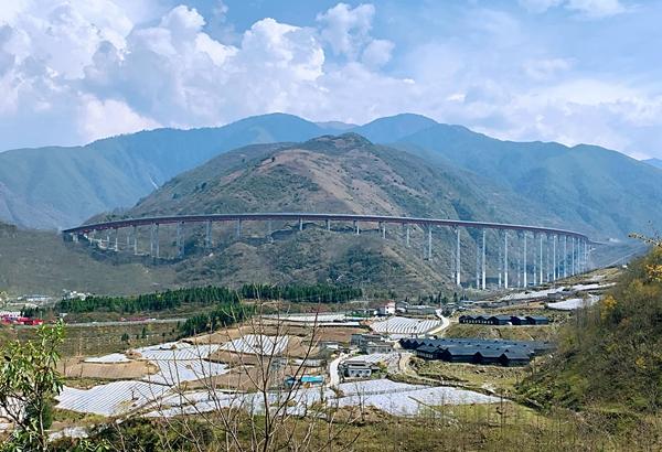 四川今年将建成12条高速新开工9条高速 有你家吗