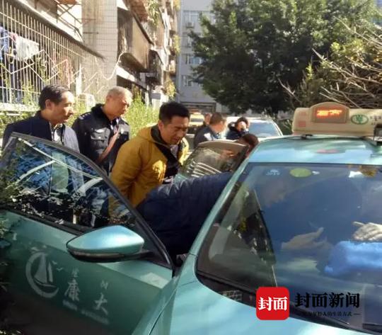 bob开户:出租车中安装作弊器调价 西昌一司机被拘留