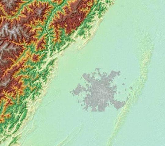 成都城与周围的地形地貌。