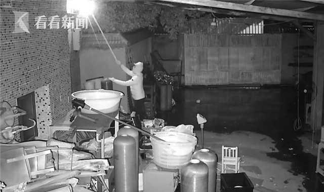三男子组团盗窃 还把监控探头移掉结果悲剧了