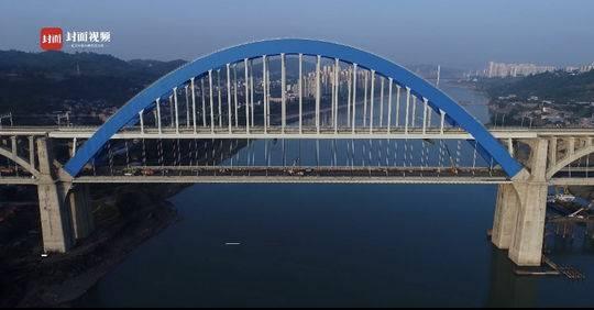 """""""世界首条山区高铁""""成贵全线还剩一段待开通 光桥梁就有365"""