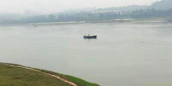 泸州依法取缔58座非法码头 修复水生态