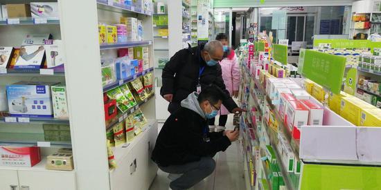 参加免费讲座却买了一万多元羊奶粉 成都发布老年人消费警示