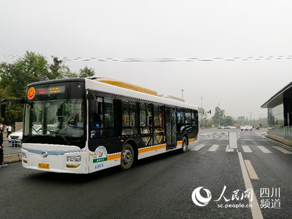出行更便捷 成都快速公交K5延伸至温江