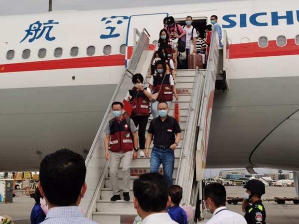 派出40人检测近10万人次!四川援北京检验检测队返蓉