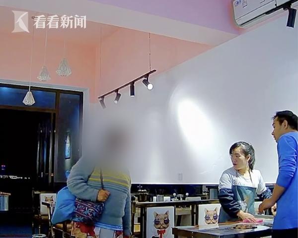 落魄大姐要一碗饺子果腹 餐馆老板这个举动太暖