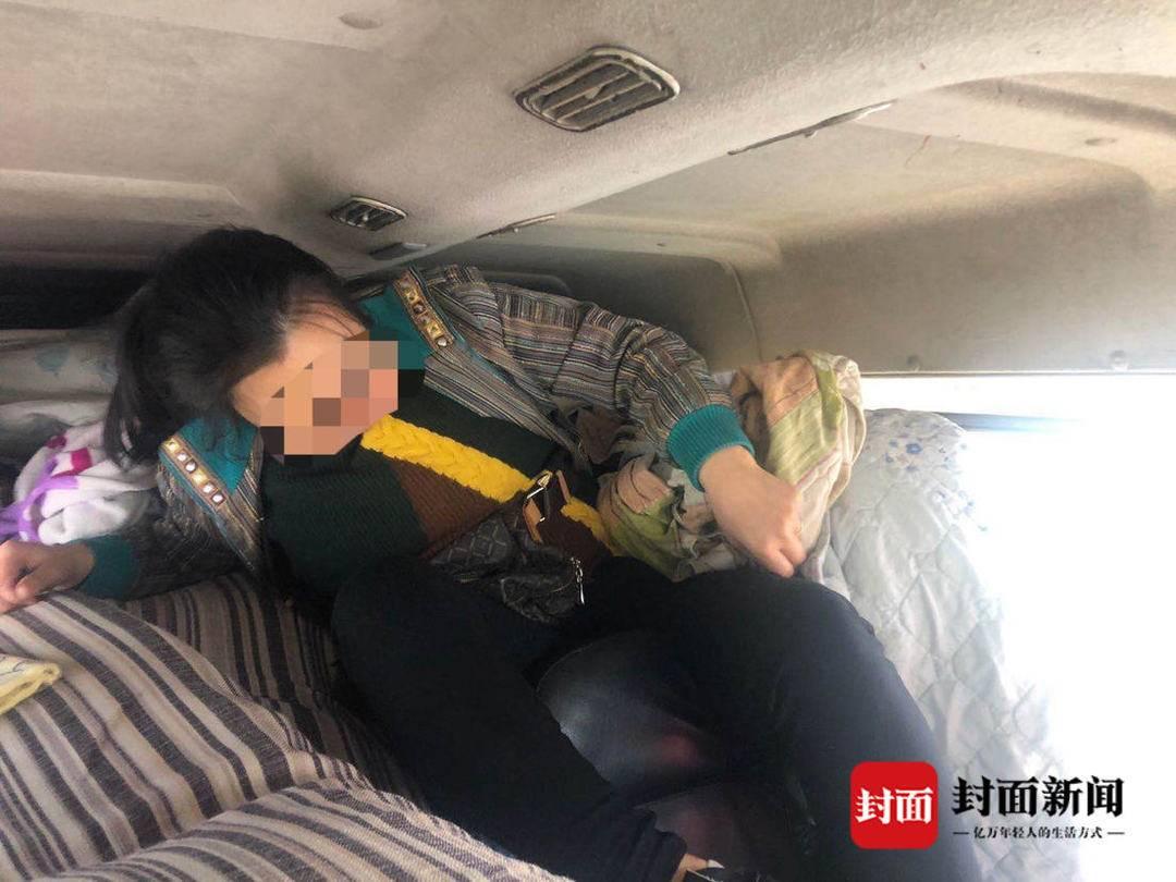 """四川高速公安查获""""夹心饼干""""车 这样的车不要坐"""