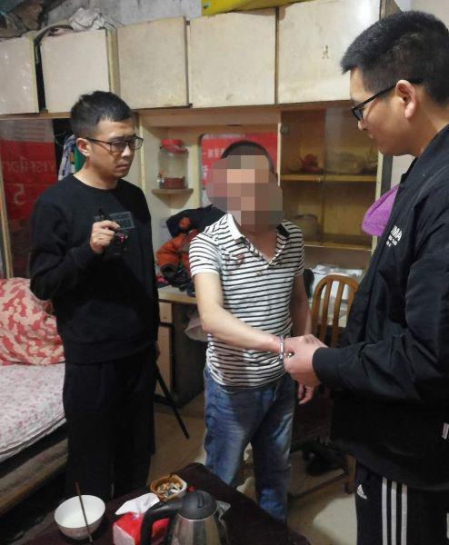 帅某被民警抓获(彭山警方 供图)