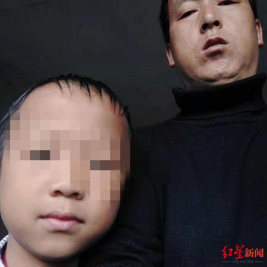 王永学的丈夫和儿子