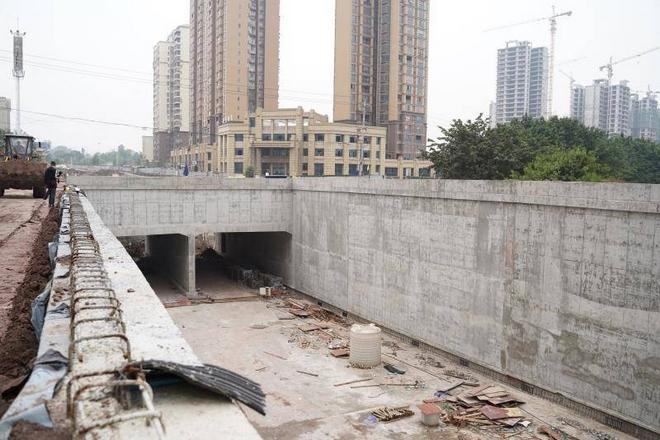 """""""硬骨头""""啃下 再过2个月广安广前路改造将全线贯通"""