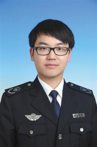 陈奔生前是温岭市环境监察大队副大队长。温岭市环保局供图