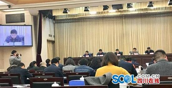 12月9日,省政府召开电视电话会议,对四川省落实国家组织药品集中采购和使用试点扩围进行动员部署。