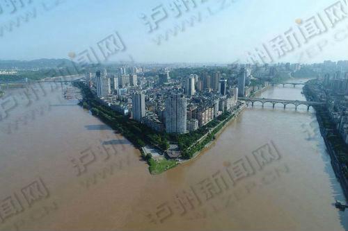 2018首轮洪峰过境 长江泸州段二郎滩洪峰水位达7.4米