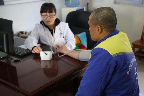 四川推广落实统一的戒毒工作模式 戒毒人员按阶段分区管理