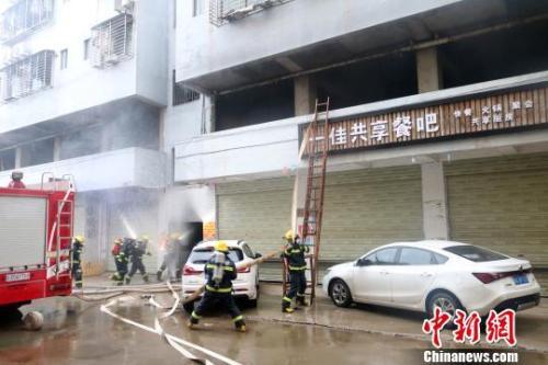 桂林民房火灾致5死38伤 官方:着火主要物质是电动车
