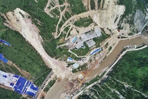 成昆铁路甘洛崩塌最新:已发现12具疑似失联人员遗体