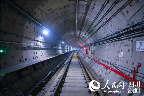 成都地铁6号线一二期工程首批轨行区完成移交