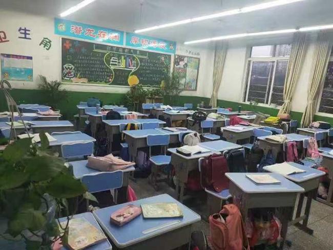 资中县明心寺镇田坝小学学生就地避险