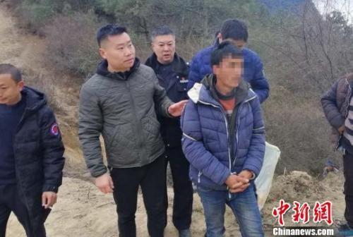 嫌疑人被抓获 雅安警方 供图