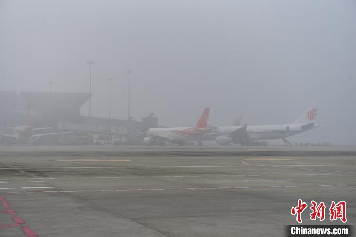 双流机场坐飞机注意!国内航班无需健康证明 体温超标不能坐