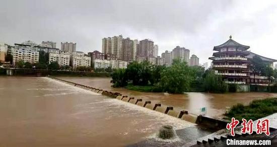 廣元一河道洪水消退?!∷拇☉惫﹫D