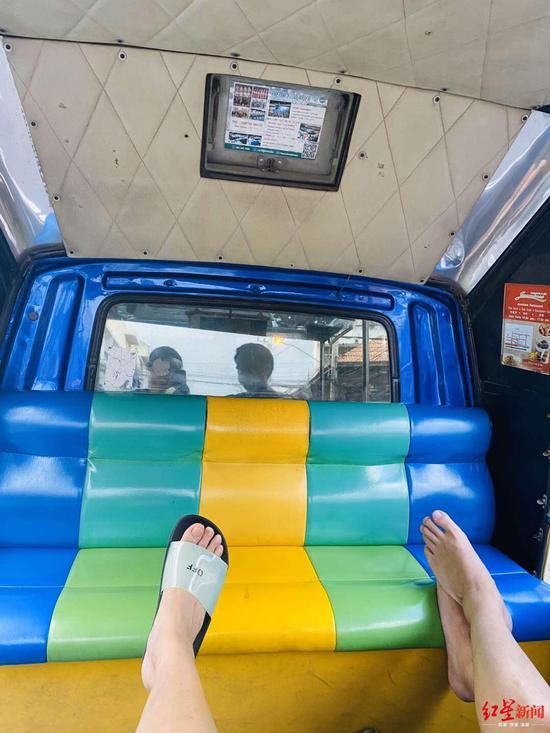 无事可做,只能靠坐坐当地的tutu车打发时间