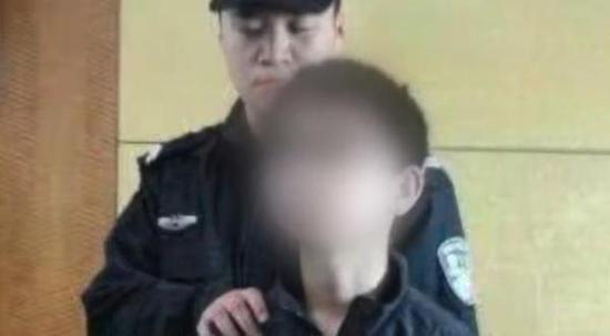 马上评 12岁弑母少年重返学校 让公众如何安心
