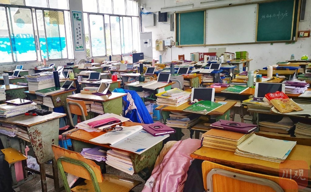 射洪柳树中学推荐家长高价购买的平板电脑 参考价仅1599元且停产多年