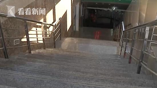 寒冬凌晨 3月大男婴被生母遗弃火车站:没钱养了