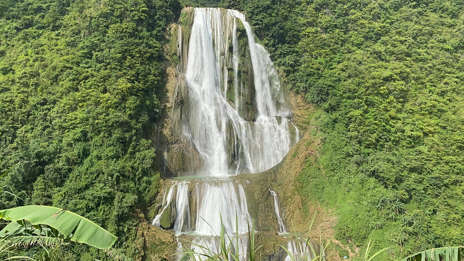 ▲滴水滩瀑布
