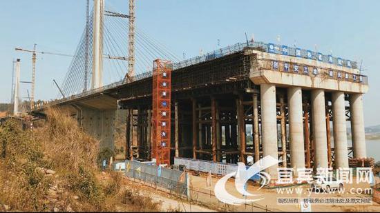 岷江特大桥项目施工现场。(叙州区融媒体中心供图)
